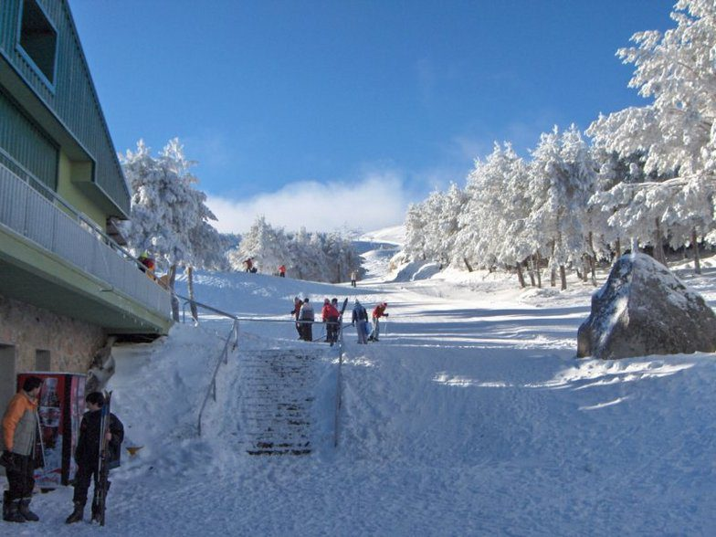 Manzaneda - base da estacao de ski na Espanha (foto do site Snow Forecast)